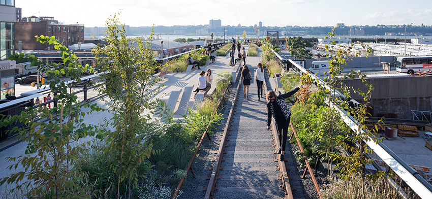 Celebrating the opening of the high line at the rail yards list image